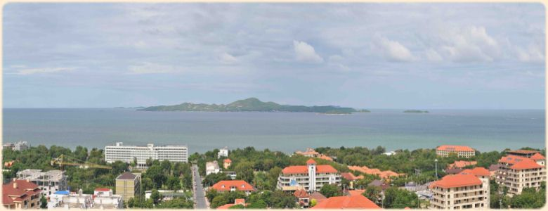 Kho Larn Island, visible from our studios and apartments in Pattaya Thailand, rental studio, room and apartment for rent